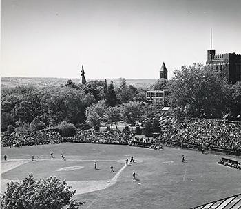 Hoy Field, 1949